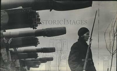 1944 Press Photo an armed woman guards a Russian factory in the Ural mountains
