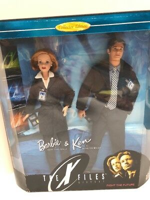 Mattel Barbie The X-files Gift Set Barbie And Ken As Mulder & Scully NRFB Mint98