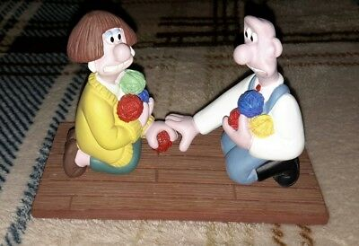 Wallace and Gromit Close Shave Wool Encounter Wendolene Resin Statue Figurine