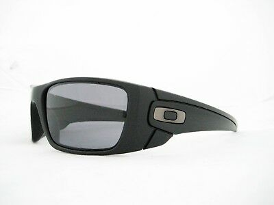 7ccc4fce9c0 new authentic OAKLEY Fuel Cell Polarized Sunglasses Matte Black Grey OO9096 -05