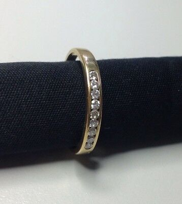 18ct 18k Yellow Gold Ring with 9 Diamond in a row setting, 2.27g size P1/2
