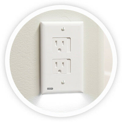 Snap Power SafeLight Outlet Cover with Sensor LED Nightlight - Decora