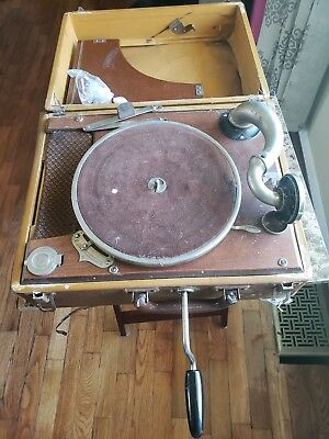 Vintage WIND-UP GRAMOPHONE ? PHONOGRAPH Record Player WORKS GREAT+ Extra Needles