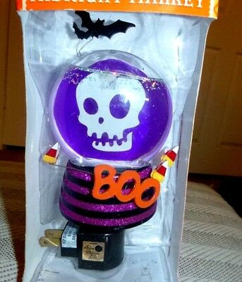 Halloween Midnight Market, New Nrb, Purple Skull Night Light Globe