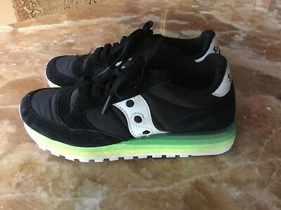 on sale 047d2 9a6f4 SAUCONY ORIGINALS WOMEN'S Jazz Original Running Shoe (Black/Green)