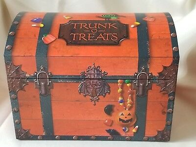 2007 Hallmark Halloween Candy Trunk-o-Treats Treasure Chest with Sound