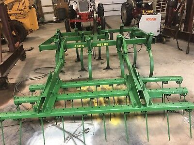 John Deere 1100  Field Cultivator // 6' // 3 Bar Harrow