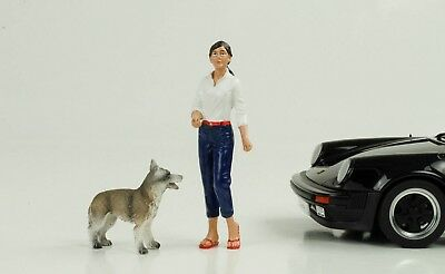 Woman with Dog Set Figure 1:18 Figurines American Diorama without Porsche