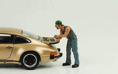 Hanging out Billy Figurines Figure 1:24 American Diorama without Porsche