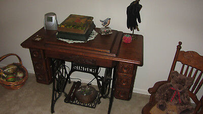 Antique Singer Sewing Machine In Oak Cabinet - ANTIQUE SINGER SEWING Machine In Wood Cabinet,Converted To Electric