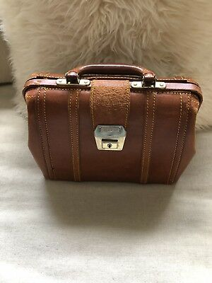 Vintage leather doctors bag With Key