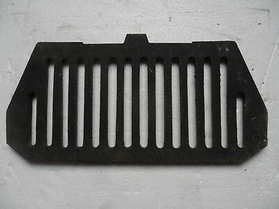 Bottom firebars for reproduction or antique cast iron fireplace