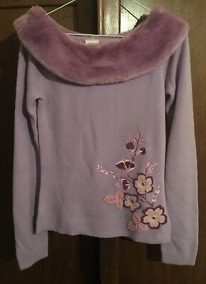 Beautiful vintage lilac sweater w/floral embroidery and furry collar size 8-10