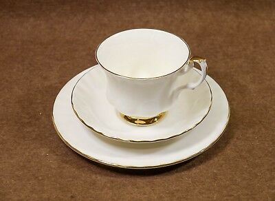Royal Albert Val D'or Cups, Saucers & Side Plates