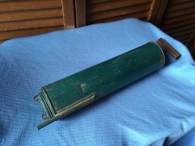 Vintage Bug Duster Garden Sprayer Dobbins 132 Green Paint Working Condition