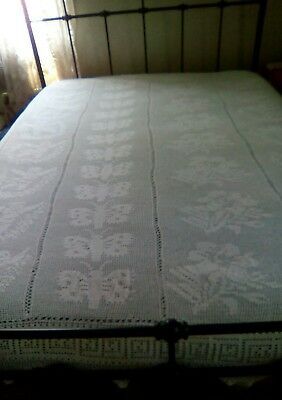 "VINTAGE WHITE HAND CROCHETED BED COVER - CHERUBS BUTTERFLIES & FLOWERS - 98""x82"""