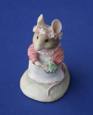 Brambly Hedge BH14 Bridesmaid Mouse with Posy Border Fine Arts Made in Britain