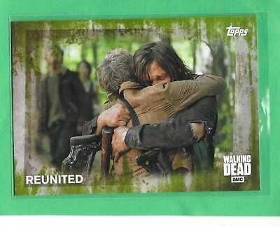 "2016 TOPPS The Walking Dead Season 5 Mold Parallel ""Reunited"" Card 5  #14/25"