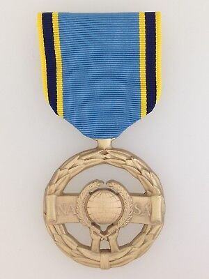 GENUINE Full Size US Space program NASA Exceptional Service Medal IN BRONZE