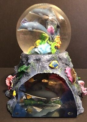 Robert Wyland Dolphin Ocean Scene Musical Water Globe with Under Water Side View