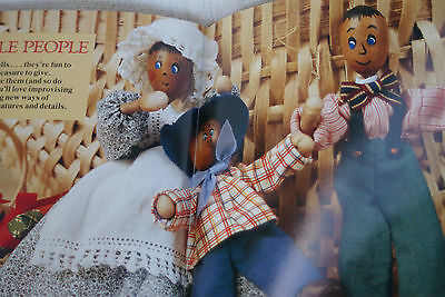 Friendly DOLLS to MAKE PATTERN BOOK Better Homes & Gardens clothes knit sew toys
