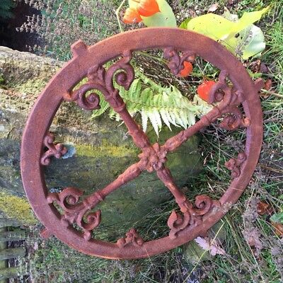 Nostalgia Window round D 57 Cm Giebelfenster Stable - Antique Iron Window
