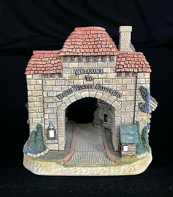 David Winter ~ DAVID'S GATE ~ MIB ~ COA ~ NUMBERED LIMITED EDITION ~ PERFECT
