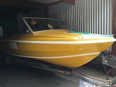 4.5 Caribbean Comaro Fish and Ski Boat