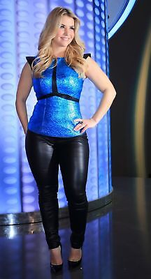 BEATRICE EGLI hot Leather Foto Poster 20 x 30 cm (8 x 12 in) glanz archivfähig