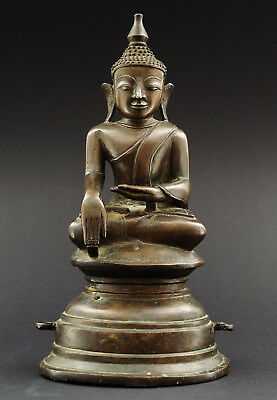 Seated Buddha, bronze, post-Mandalay Tai Yai period, Burma (Myanmar), 20th c.