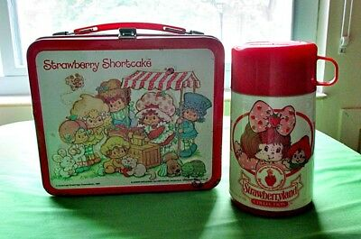 1981 American Greetings Alladin STRAWBERRY SHORTCAKE Metal Lunchbox & Thermos