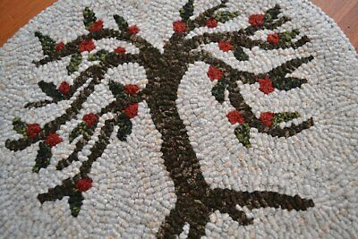 "12"" Round Linen Hooked Rug Pattern - ""1818 Orchard"" - Chair Pad *PATTERN ONLY*"