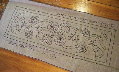 "12"" x 36"" Linen Hooked Rug Pattern - ""Tinsel Tree Time"" - Table Runner"