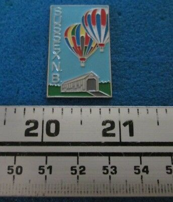 Sussex N.b Covered Bridge Pont Couvert Montgolfière Hot- Air Balloon Pin # 7684