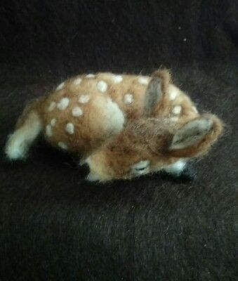 Country rustic Primitive felted sleepy Fawn
