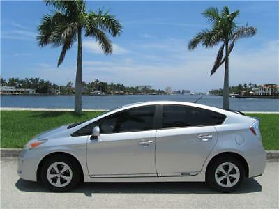 2012 Toyota Prius TWO HYBRID ONE OWNER NON SMOKER HONDA MUST SELL! 2012 TOYOTA PRIUS TWO HYBRID ONE OWNER NON SMOKER GAS SAVER MUST SELL NO RESERVE