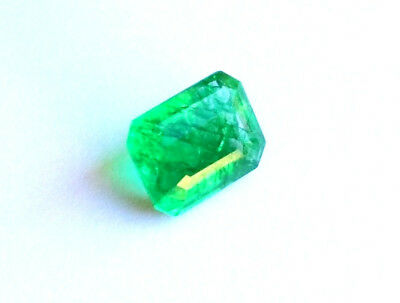 Emeraude Naturelle Verte de Colombie 8,63 ct avec Certificat d'Authenticité GGL