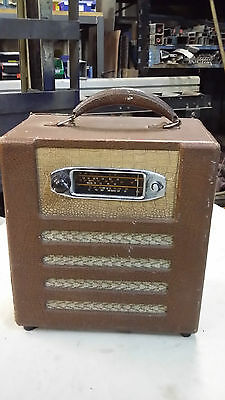 Tube / Valve  Radio Leather Case 240 V