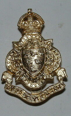 Sussex Yeomanry Kc  Anodised Cap Badge