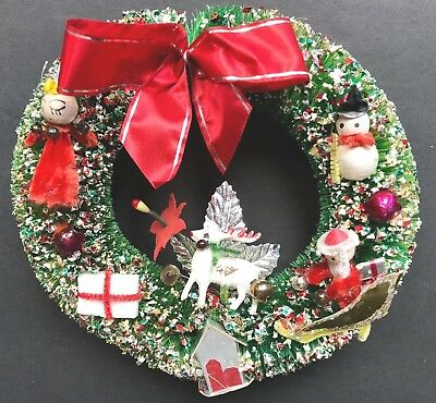 "VTG 7""Awesome Retro Bottle Brush Glitter Decorated Wreath w/Spun Cotton Figures"