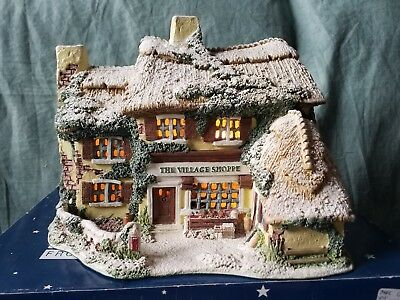 Lilliput Lane The Village Shoppe 2002 Lamplight  Collection L2697 made in UK ◇