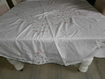 White Round Vintage Linen Embroidered Round  Tablecloth 162Cm In Diam. Gvc. Vic.