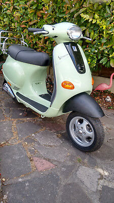 VESPA ET2 50cc 2 STROKE SCOOTER (792 MILES ON THE CLOCK) 2003 MODEL