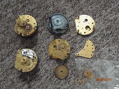Job lot vintage Smiths or Jaeger car clock movements, parts only.