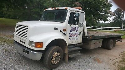 2001 international roll back tow truck