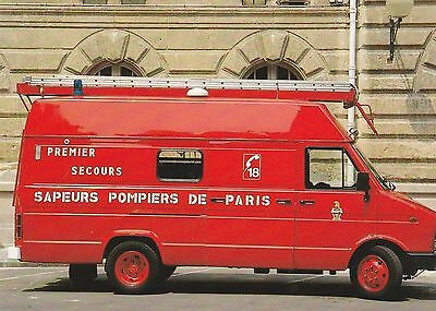 Postcard showing a French Fire Service Iveco First Aid Evacuation Unit in Paris