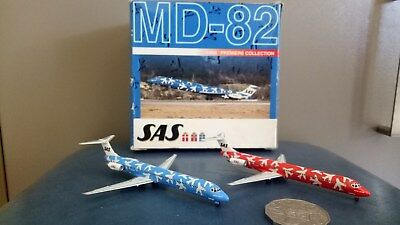 "Dragon wings SAS Airlines MD -82 Twist Pack ""RED and BLUE "" 1:400 model"