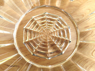 Vintage Pressed Glass Spider Web Bowl Scalloped Finger Handle Beauty Rare  R