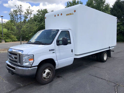Unicell 16` Fiberglass Delivery Box Truck Just 76k Miles Excellent Condition!