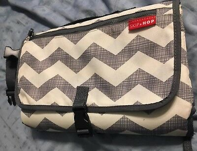 Skip Hop Pronto Changing Station Diaper Wipes Clutch Chevron